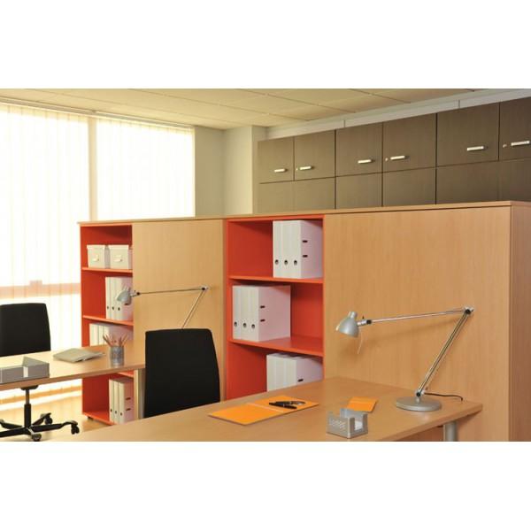 armoire box en bois clair et casiers orange par revilox. Black Bedroom Furniture Sets. Home Design Ideas