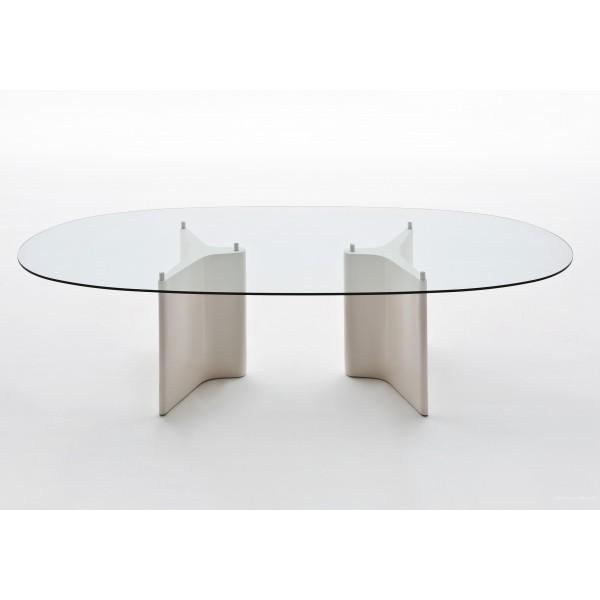 table de r union tee ovale par segis. Black Bedroom Furniture Sets. Home Design Ideas
