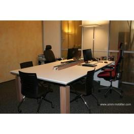 table de r union sur mesure finition blanc mat et pieds fa on noyer n 1. Black Bedroom Furniture Sets. Home Design Ideas